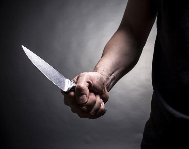 ВРостове мужчина зарезал вподъезде знакомого исдался милиции